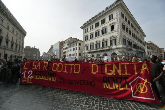Roma, #20M contro il piano-casa di Lupi: occupata l'anagrafe e presidio alla Prefettura