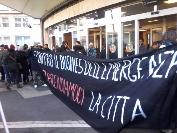 Roma, movimenti per il diritto all'abitare occupano sede della Regione Lazio